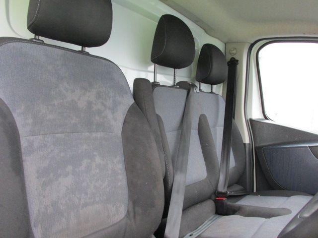 2015 Vauxhall Vivaro 2900 L2H1 CDTI P/V (152D23573) Image 12