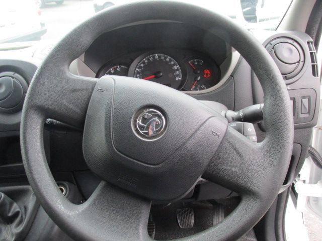 2015 Vauxhall Movano R3500 L3H3 P/V CDTI (152D23603) Image 13