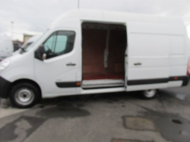 2015 Vauxhall Movano R3500 L3H3 P/V CDTI (152D23603) Image 10