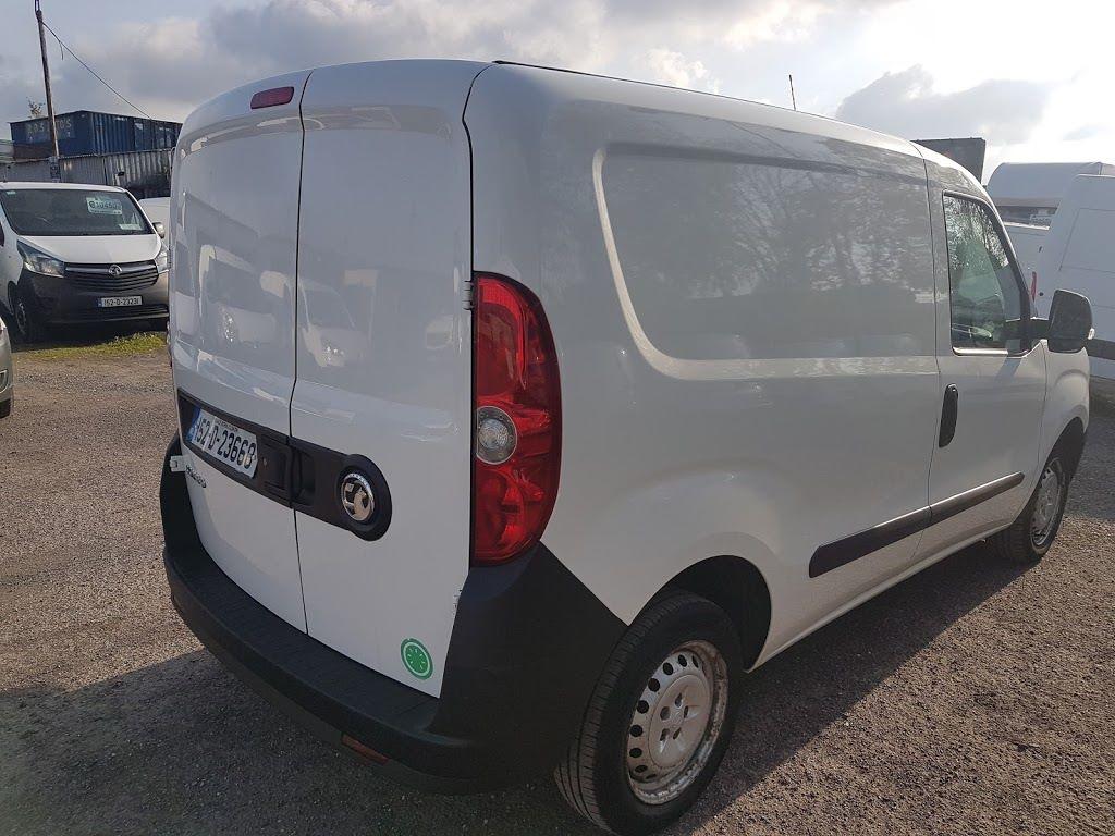 2015 Vauxhall Combo 2000 L1H1 CDTI (152D23668) Image 9