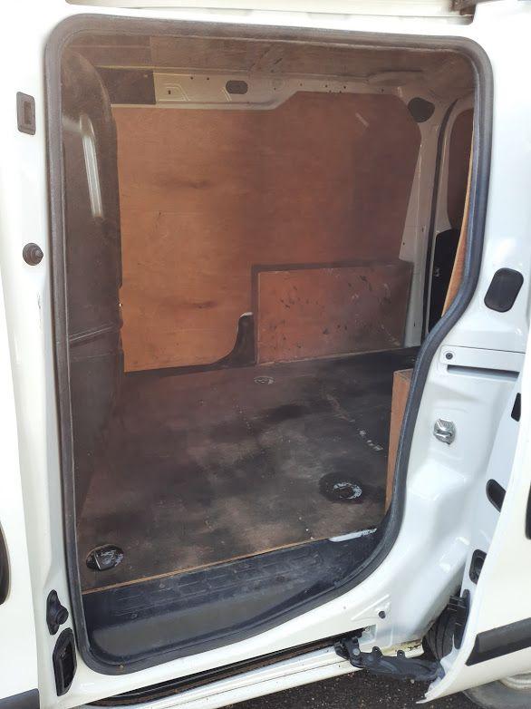 2015 Vauxhall Combo 2000 L1H1 CDTI (152D23670) Image 14