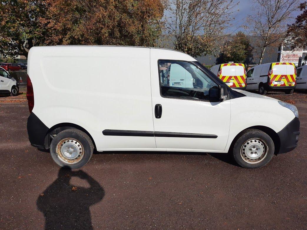 2015 Vauxhall Combo 2000 L1H1 CDTI (152D23670) Image 8