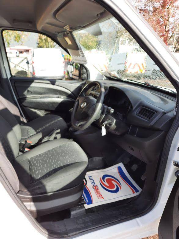 2015 Vauxhall Combo 2000 L1H1 CDTI (152D23670) Image 7