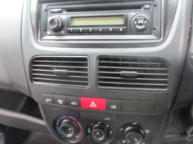 2015 Vauxhall Combo 2000 L1H1 CDTI (152D23672) Image 11