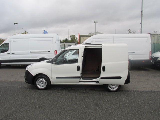 2015 Vauxhall Combo 2000 L1H1 CDTI (152D23672) Image 8