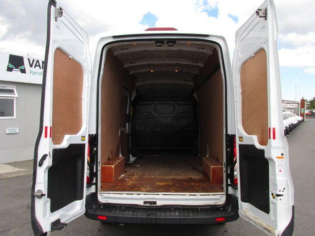 2015 Ford Transit 350 H/R P/V (152D23813) Image 5