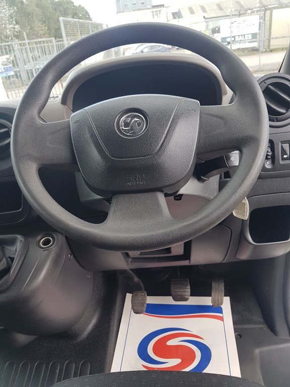 2015 Vauxhall Movano R3500 L3H3 P/V CDTI (152D23820) Image 6