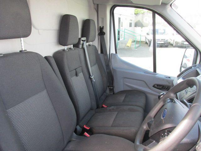 2015 Ford Transit 350 H/R P/V (152D23827) Image 15