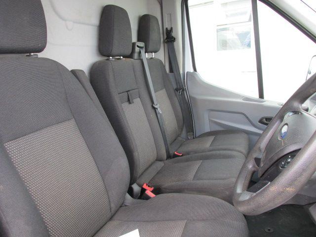 2015 Ford Transit 350 H/R P/V (152D23831) Image 11