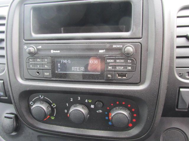 2015 Vauxhall Vivaro 2900 L2H1 CDTI P/V (152D23992) Image 12