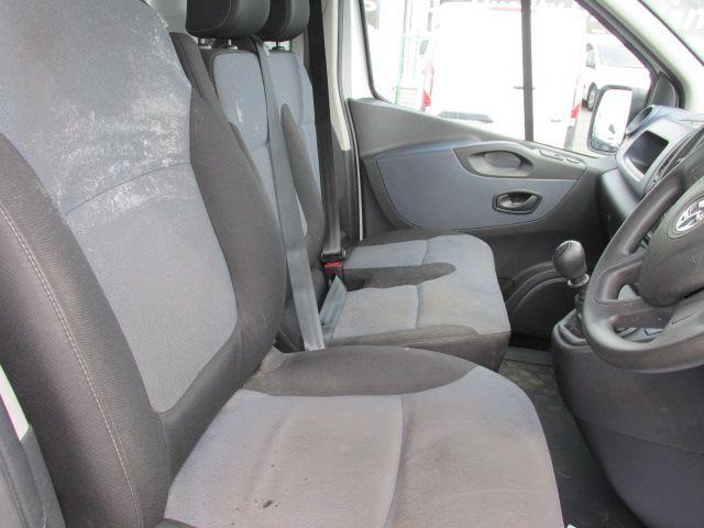 2015 Vauxhall Vivaro 2900 L2H1 CDTI P/V (152D23992) Image 11