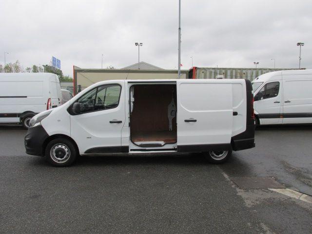 2015 Vauxhall Vivaro 2900 L2H1 CDTI P/V (152D23995) Image 8