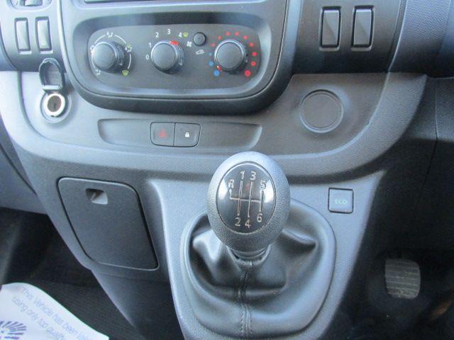 2015 Vauxhall Vivaro 2900 L2H1 CDTI P/V (152D24012) Image 12