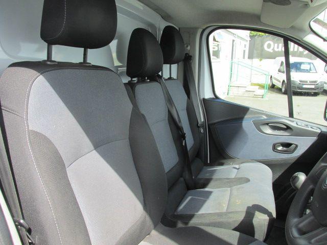2015 Vauxhall Vivaro 2900 L2H1 CDTI P/V (152D24030) Image 12