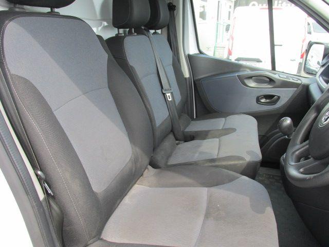 2015 Vauxhall Vivaro 2900 L2H1 CDTI P/V (152D24034) Image 11