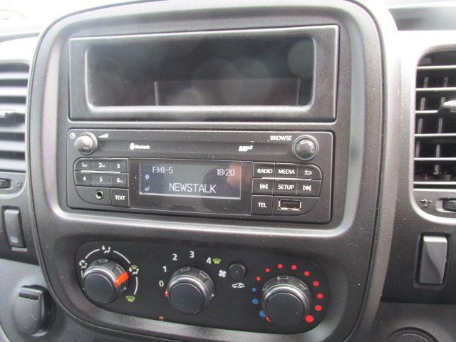 2015 Vauxhall Vivaro 2900 L2H1 CDTI P/V (152D24034) Image 13