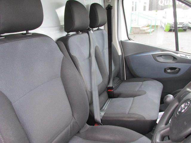 2015 Vauxhall Vivaro 2900 L2H1 CDTI P/V (152D24045) Image 9