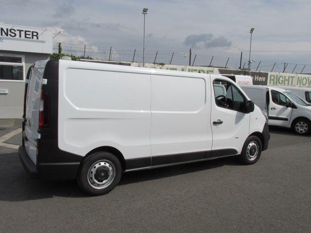 2015 Vauxhall Vivaro 2900 L2H1 CDTI P/V (152D24064) Image 8