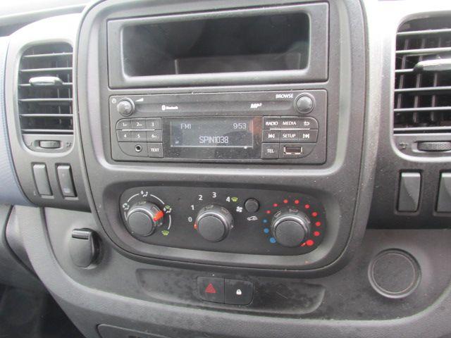 2015 Vauxhall Vivaro 2900 L2H1 CDTI P/V (152D24064) Image 13