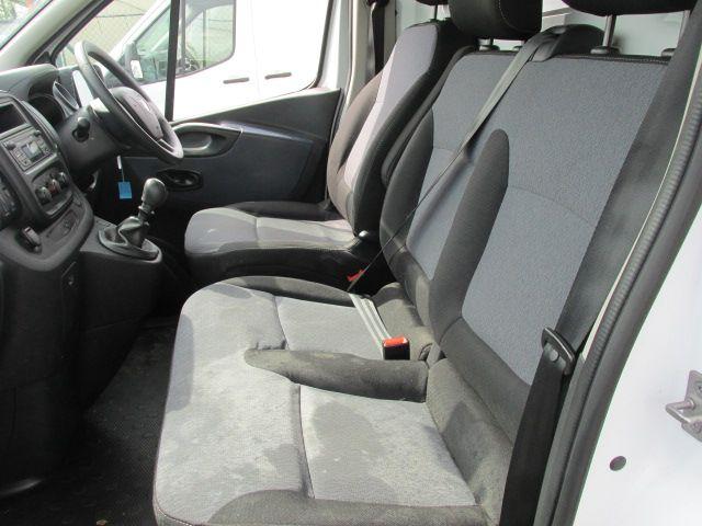 2015 Vauxhall Vivaro 2900 L2H1 CDTI P/V (152D24064) Image 11