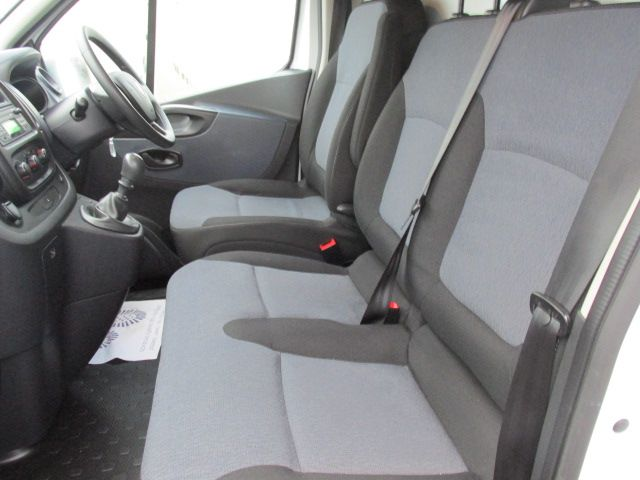 2015 Vauxhall Vivaro 2900 L2H1 CDTI P/V (152D24079) Image 11