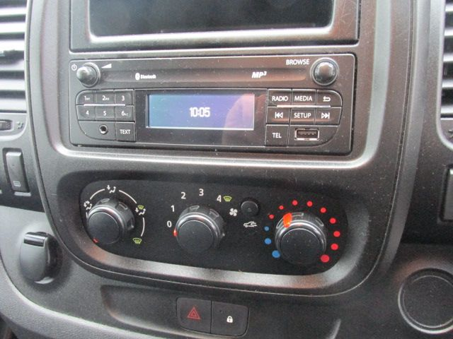 2015 Vauxhall Vivaro 2900 L2H1 CDTI P/V (152D24079) Image 13