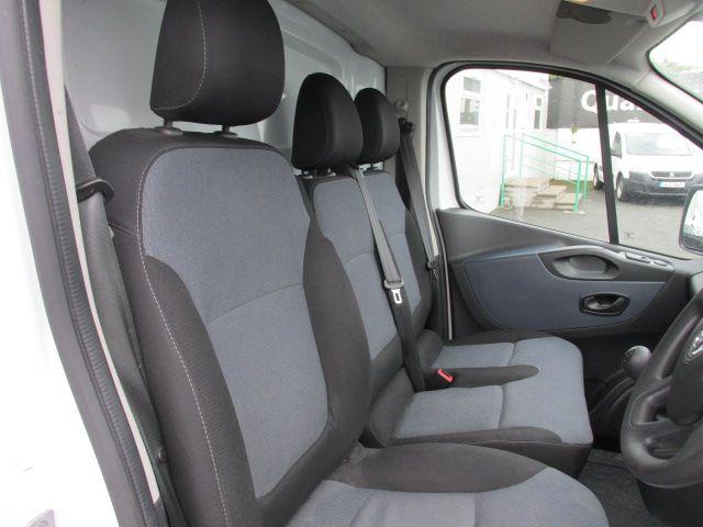 2015 Vauxhall Vivaro 2900 L2H1 CDTI P/V (152D24102) Image 12