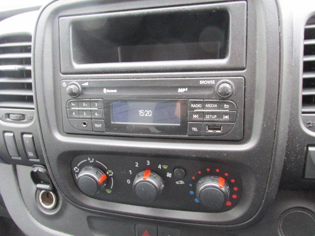 2015 Vauxhall Vivaro 2900 L2H1 CDTI P/V (152D24102) Image 13