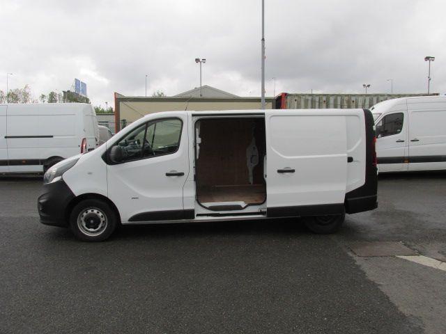 2015 Vauxhall Vivaro 2900 L2H1 CDTI P/V (152D24102) Image 9