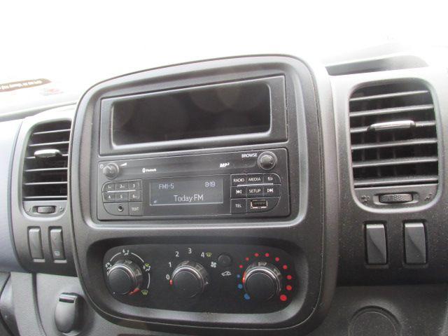 2015 Vauxhall Vivaro 2900 L2H1 CDTI P/V (152D24103) Image 16