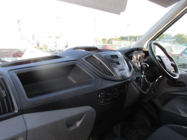 2015 Ford Transit JUMBO 350 H/R P/V (152D24144) Image 10
