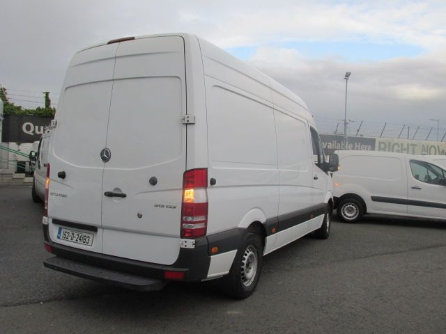 2015 Mercedes Sprinter 313 CDI MWB  H/ROOF - OVER A 100 VANS TO CHOOSE FROM IN VM SANTRY - (152D24183) Image 3