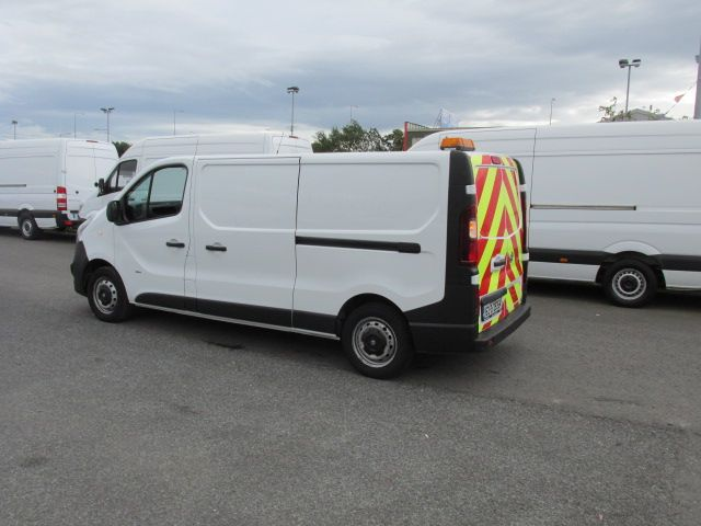 2015 Vauxhall Vivaro 2900 L2H1 CDTI P/V - Over 150 VANS TO VIEW AT VAN MONSTER  SANTRY - (152D29354) Thumbnail 4