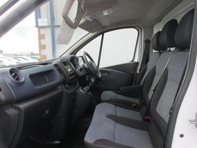 2015 Vauxhall Vivaro 2900 L2H1 CDTI P/V (152D15099) Image 8