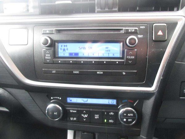 2015 Toyota Auris 1.4D4D Terra VAN 4DR (152D17433) Image 13