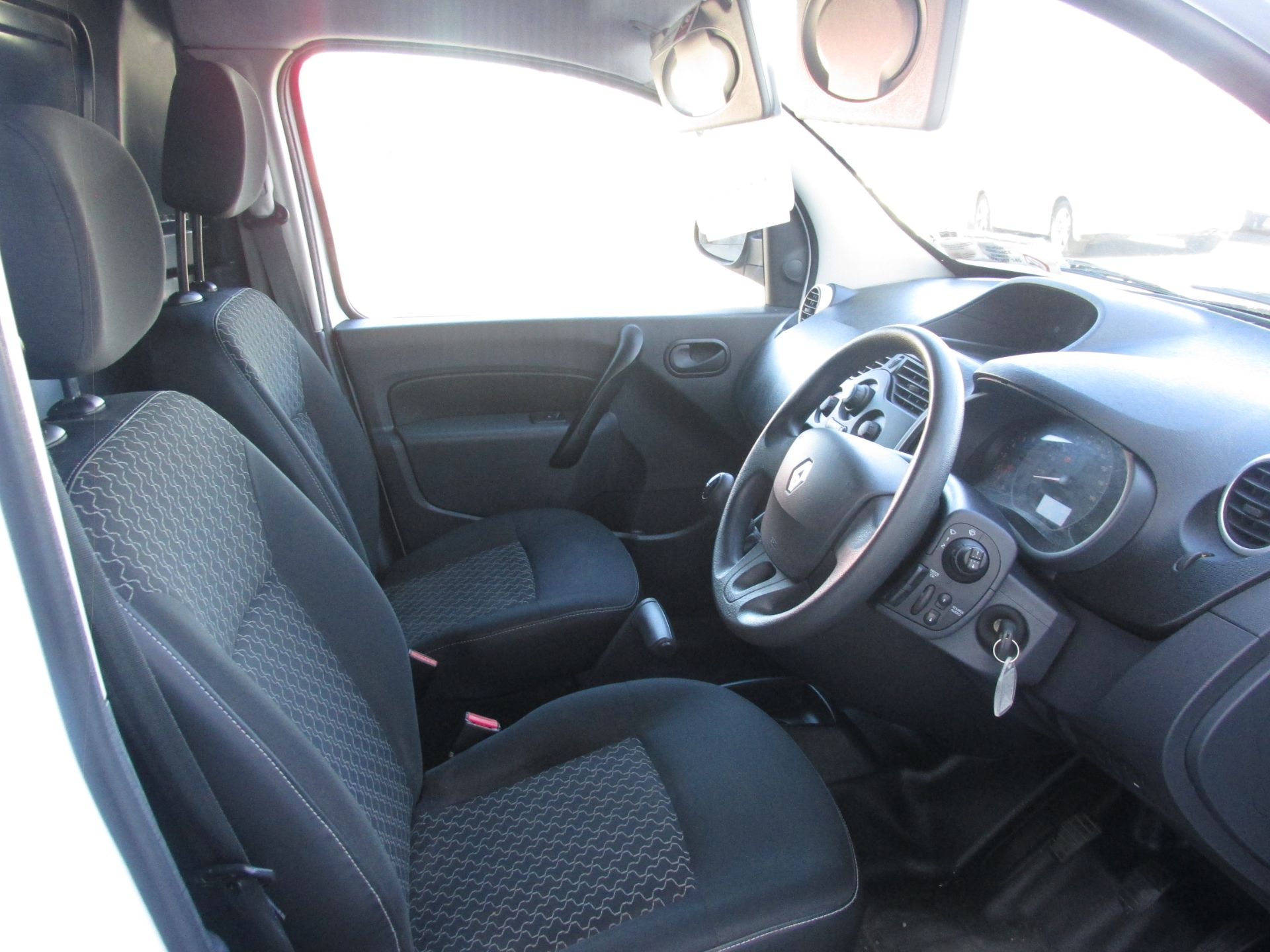 2015 Renault Kangoo 1.5 DCI 90BHP 2015 2DR (152D18874) Image 12