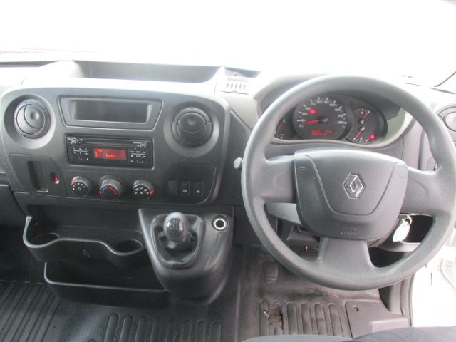2015 Renault Master III FWD LM35 DCI 135 Energy Busine (152D20253) Image 15
