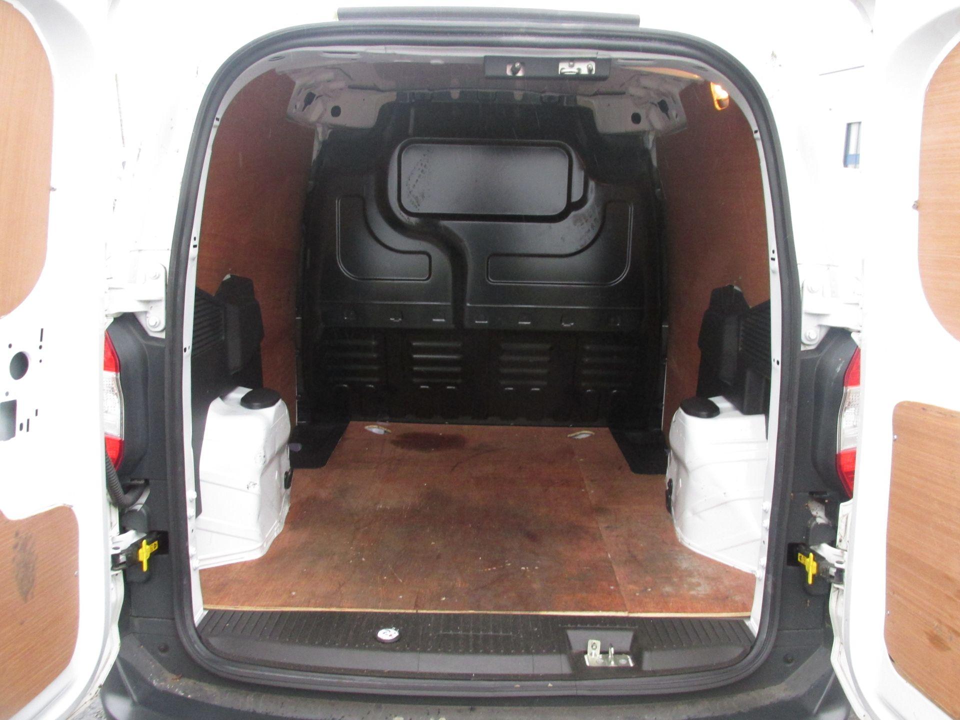2015 Ford Transit Courier VAN Base 75PS 3DR (152D20913) Image 7