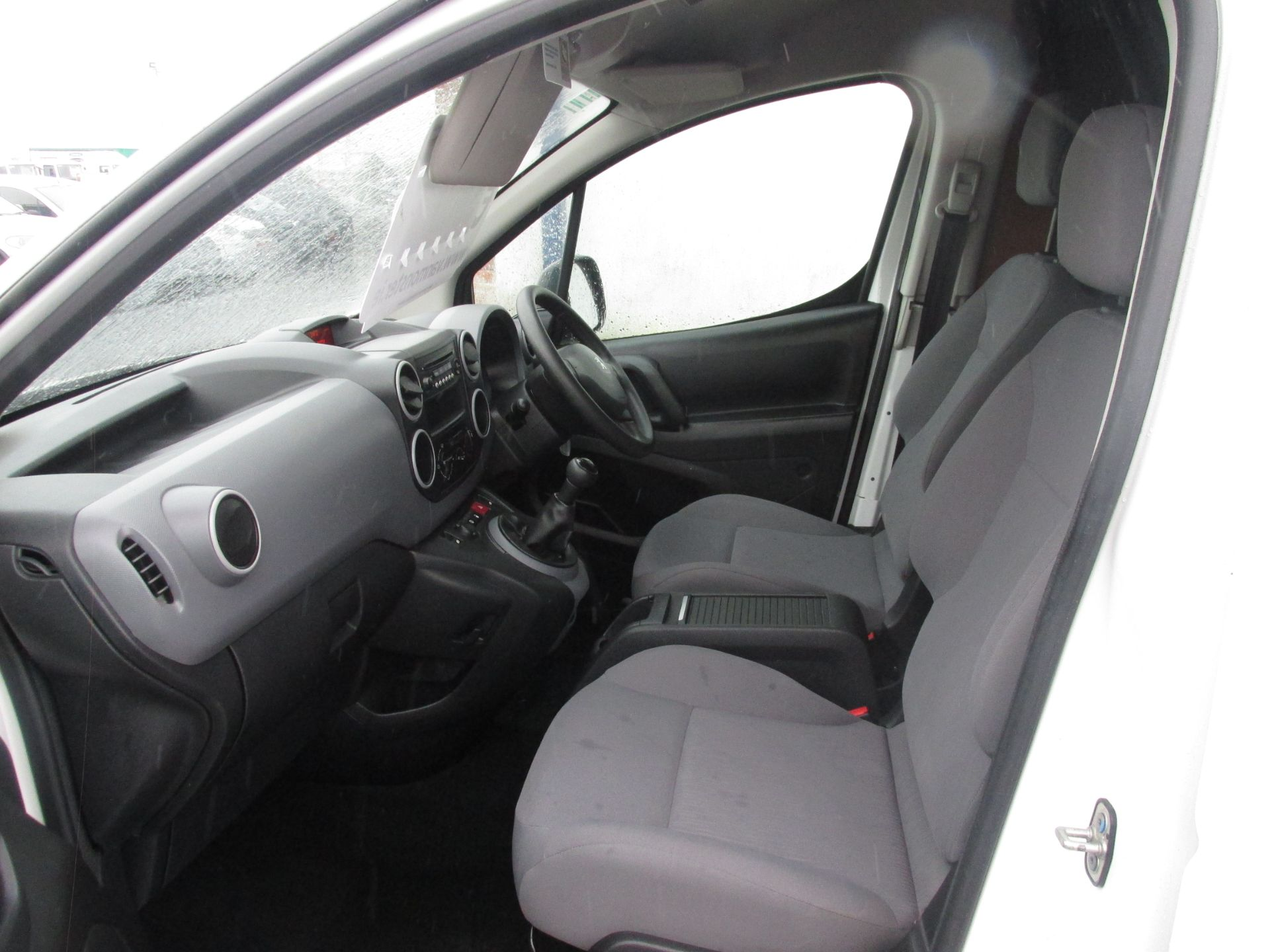2015 Peugeot Partner HDI S L1 850 (152D22471) Image 10