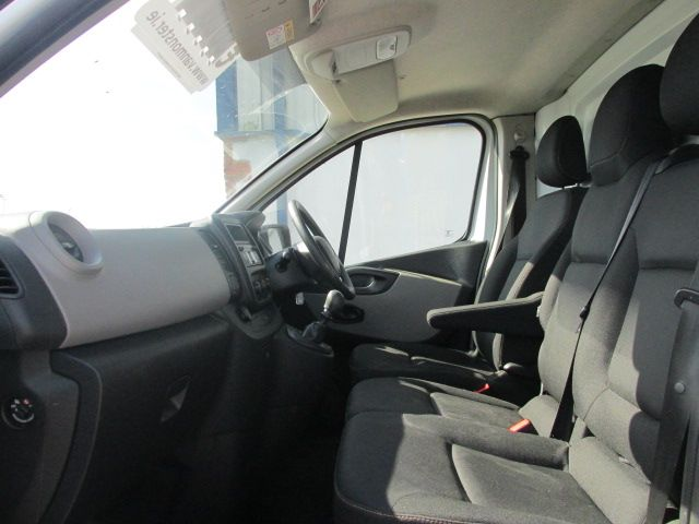 2015 Renault Trafic LL29 DCI 115 Business Panel VA (152D23159) Image 9