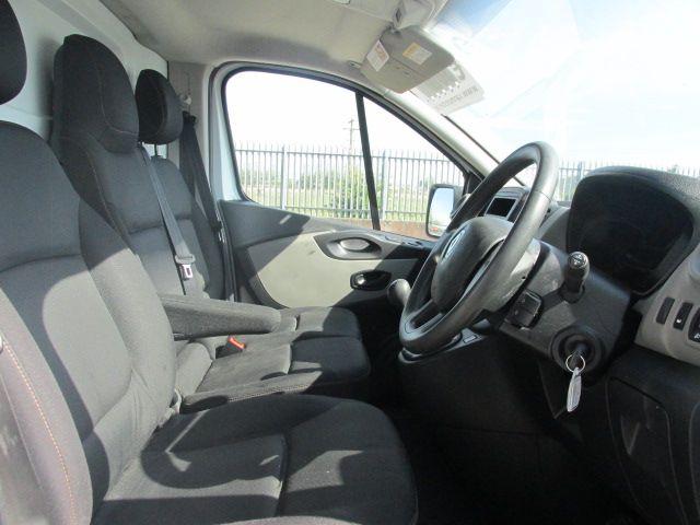 2015 Renault Trafic LL29 DCI 115 Business Panel VA (152D23159) Image 11