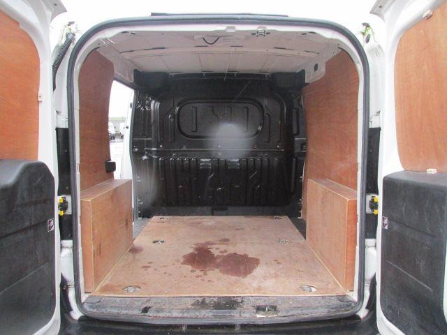 2015 Vauxhall Combo 2000 L1H1 CDTI (152D23480) Image 8