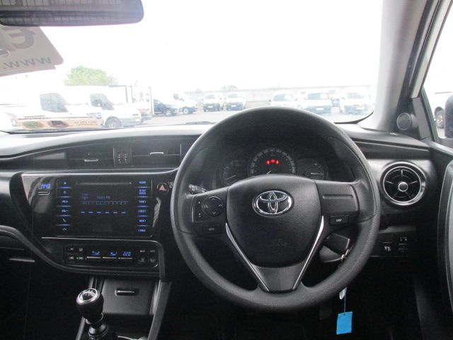 2015 Toyota Auris 1.4d-4d Terra 4DR (152D23501) Image 11