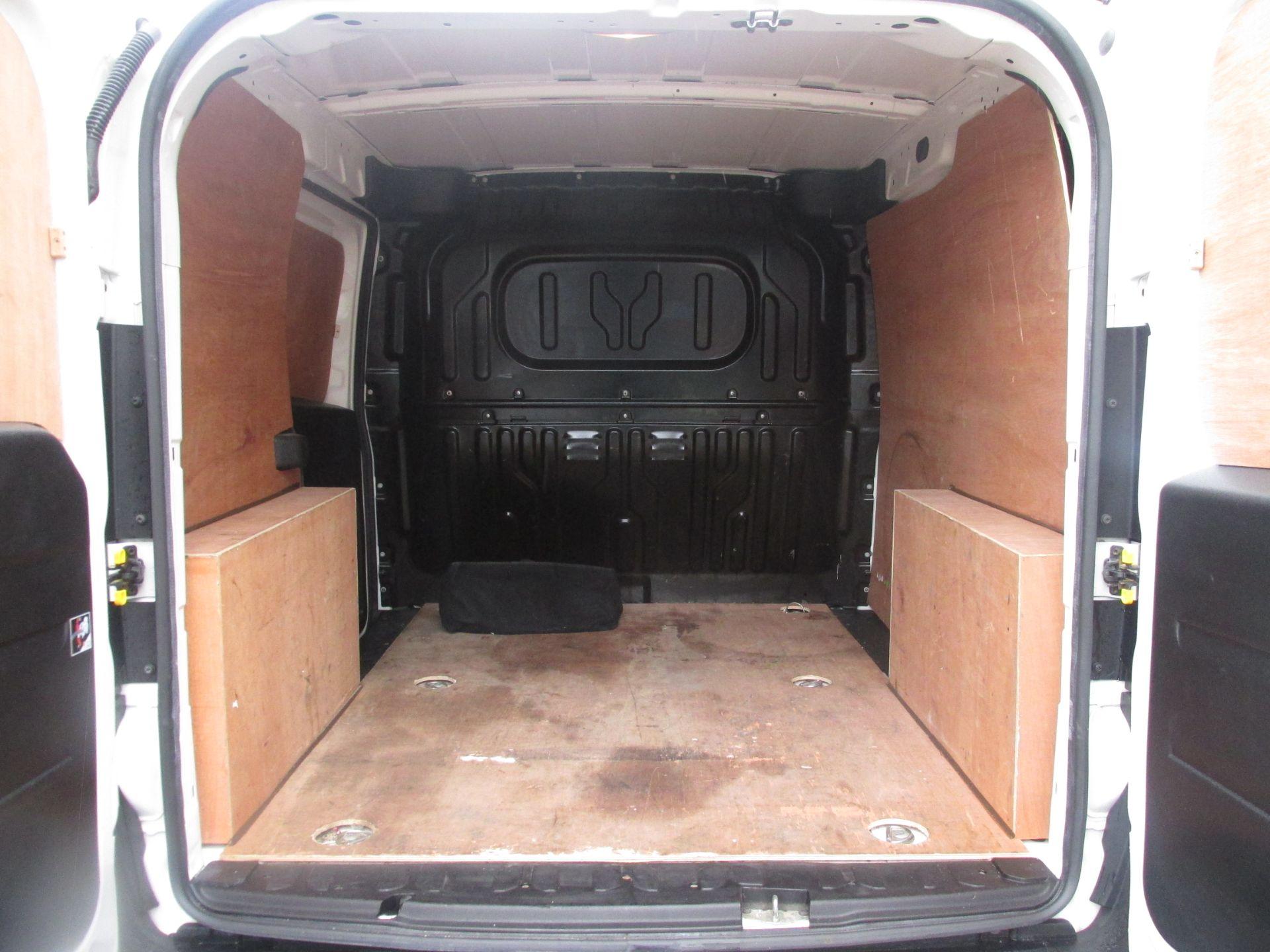 2015 Vauxhall Combo 2000 L1H1 CDTI (152D23673) Image 7