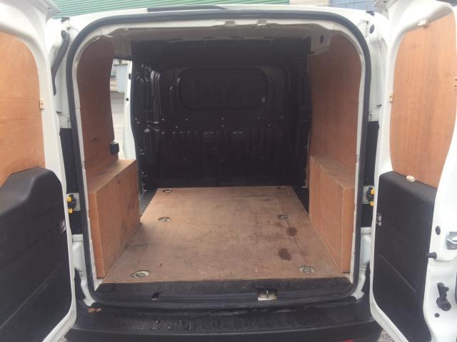 2015 Vauxhall Combo 2000 L1H1 CDTI (152D23674) Image 10