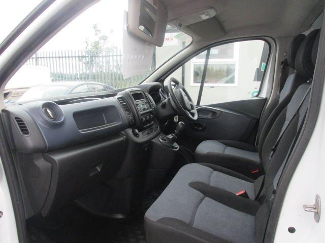 2015 Vauxhall Vivaro 2900 L2H1 CDTI P/V (152D23999) Image 8