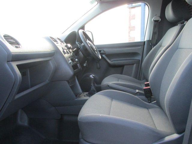 2015 Volkswagen Caddy C20 TDI STARTLINE (152D27491) Image 10