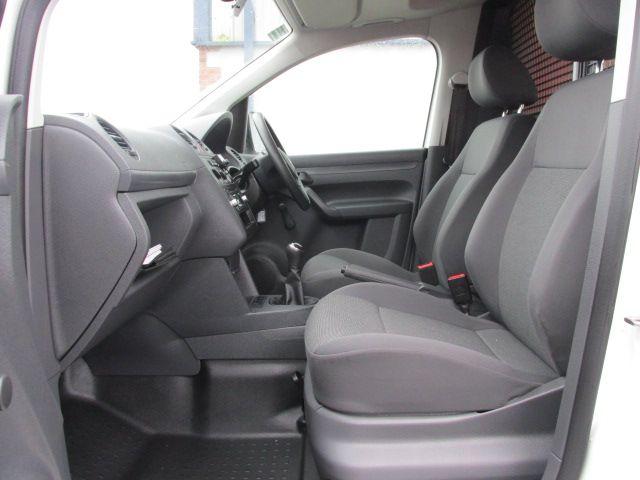 2015 Volkswagen Caddy C20 TDI STARTLINE (152D27496) Image 10