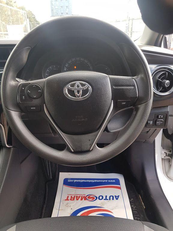 2016 Toyota Auris 1.4d-4d Terra 4DR (161D11979) Image 6