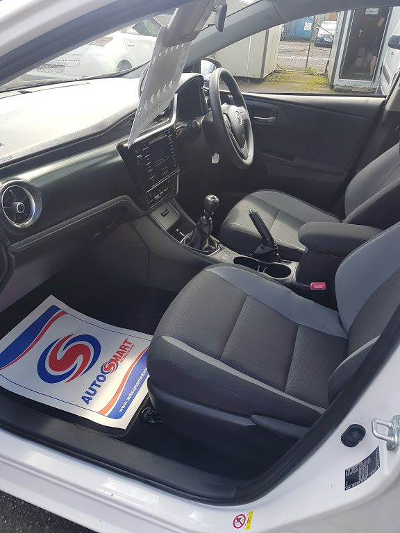 2016 Toyota Auris 1.4d-4d Terra 4DR (161D15108) Image 16
